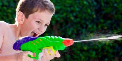 water-gun-fight